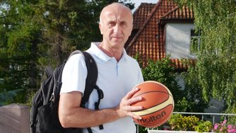 awesa Dzenan Softic VfL Hameln Basketball Oberliga