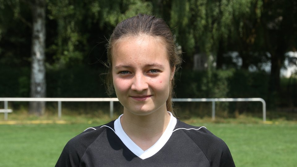 Celine Keune SV Hastenbeck Fussball Frauen Oberliga Hameln Pyrmont AWesA